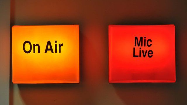 On Air and Mic Live sign