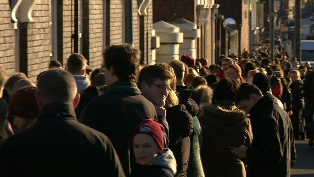 Queues for Peaky Blinders auditions