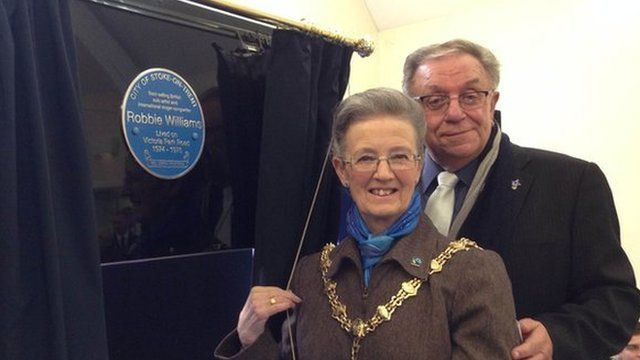 Lord Mayor of Stoke, Sheila Pitt and Robbie's Dad Pete Conway reveal the plaque