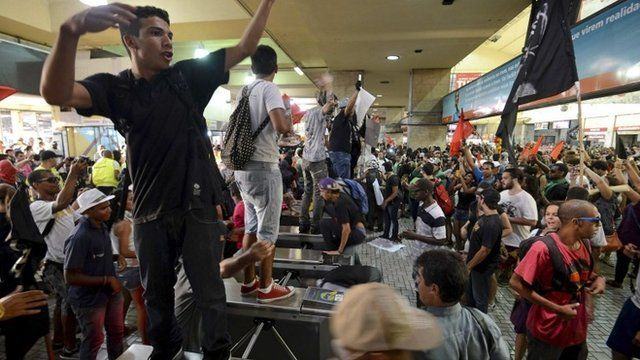 Protesters at the central train station
