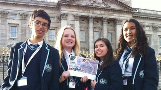 Four School Reporters in front of Buckingham Palace