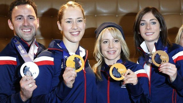 "Winter Olympic medalists (L-R) men""s curling captain David Murdoch, skeleton racer Lizzy Yarnold, snowboarder Jenny Jones and women's curling captain Eve Muirhead pose with their medals"