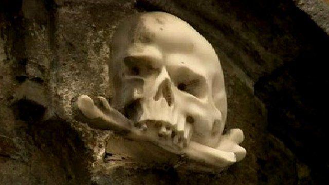 Skull symbol at Naples church building