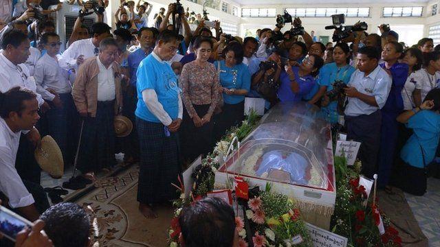Win Tin funeral