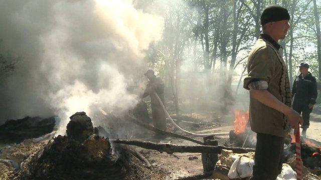 Checkpoints burn in Sloviansk