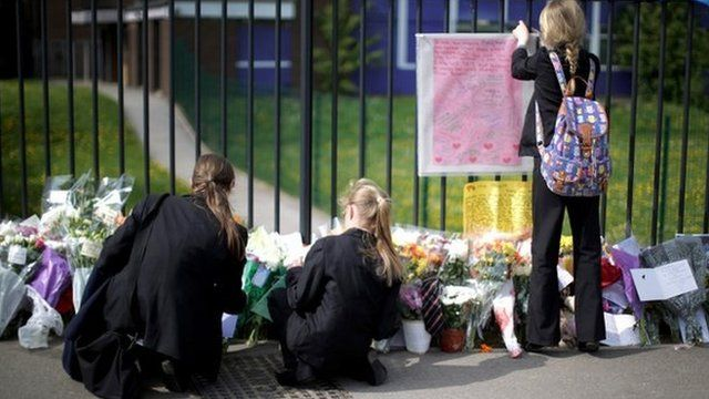 Pupils place tributes to Ann Maguire
