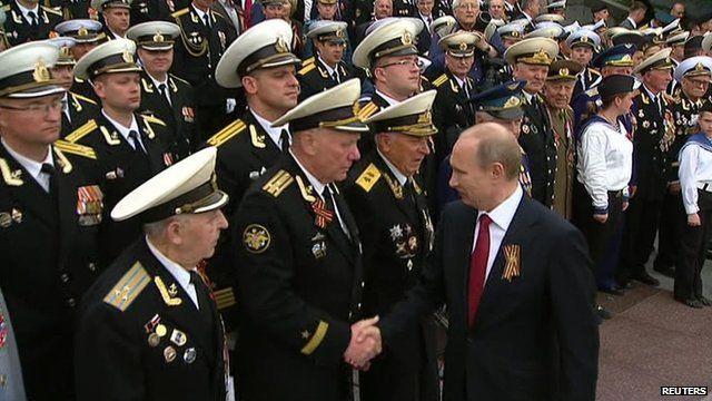 Russian president meets veterans in Sevastopol