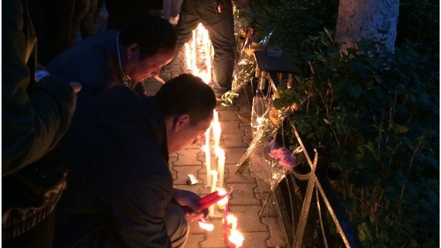 Spontaneous memorial to the Xinjiang victims