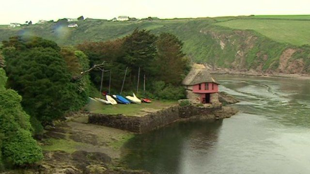 A boathouse in Bantham
