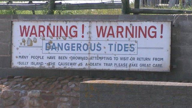 Warning sign at Sully Island
