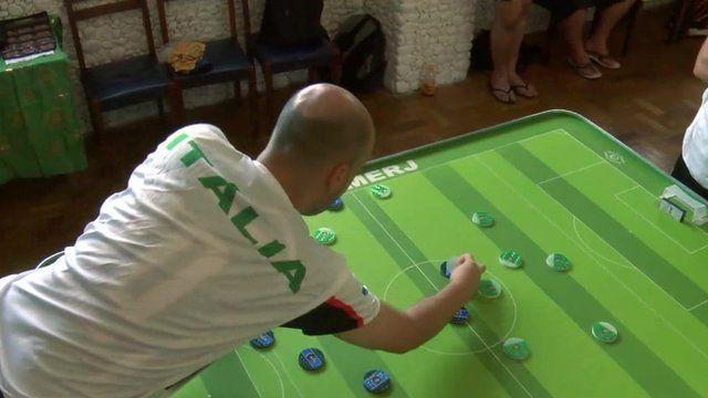 Button football participant