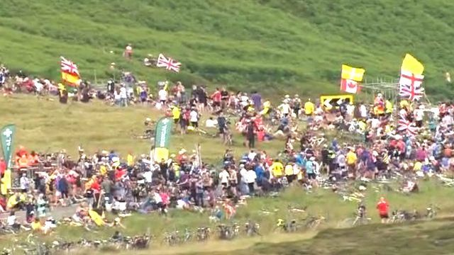 crowds at Holme Moss