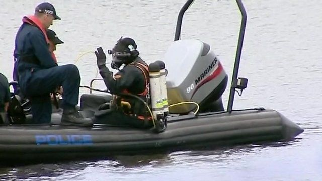 Search and rescue dive team