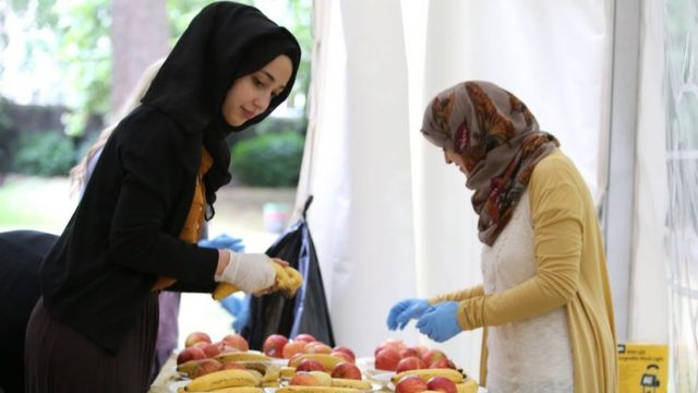 Volunteers at the Ramadan tent project