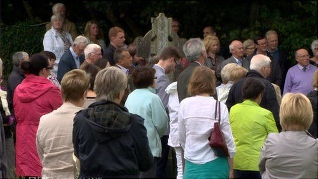 Seamus Heaney remembered in Bellaghy on first anniversary of his death