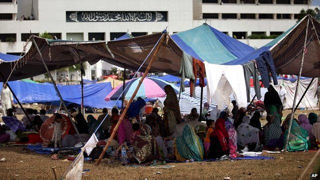 People camping outside the parliament building in Islamabad, Pakistan