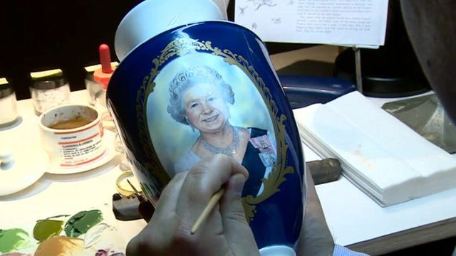 Vase with the queen's face on