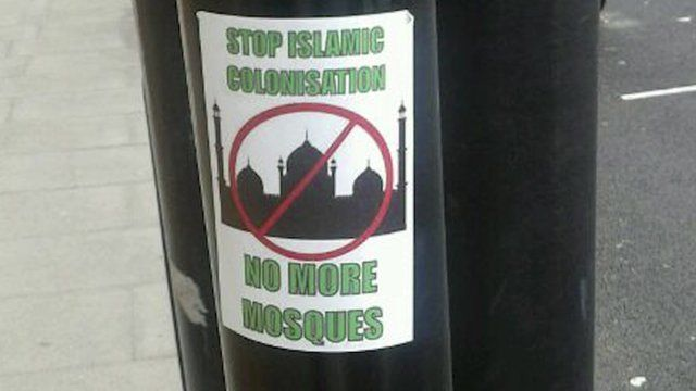 An Islamophobic notice on a lamp post