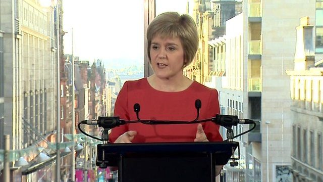 Nicola Sturgeon at podium in Glasgow