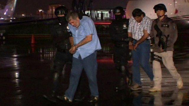 Vicente Carrillo Fuentes in handcuffs