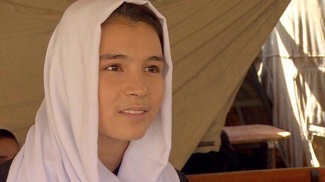 Schoolgirl Yasmina