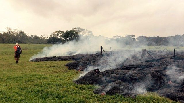 Lava flow in anopen field below Apa'a Street and Cemetery Road on 26 October in Pahoa, Hawaii