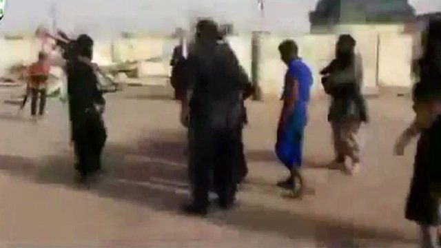 Islamic State video shows Iraqi Sunnis rounded up