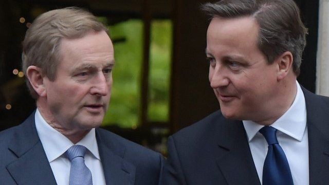 Prime Minister David Cameron (R) and Irish Taoiseach Enda Kenny (L)