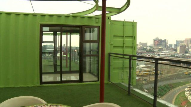 Johannesburg\'s \'shipping container\' apartments - BBC News