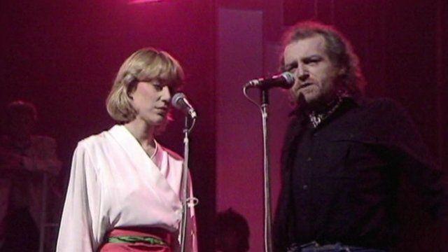 Joe Cocker (r) with Jennifer Warnes