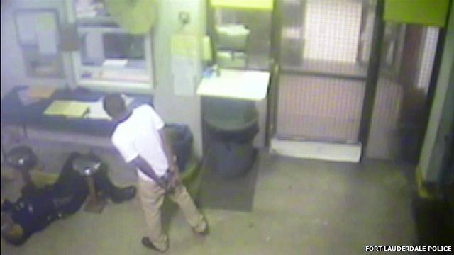Surveillance video of Jamal Rutledge/Franklin Foulks