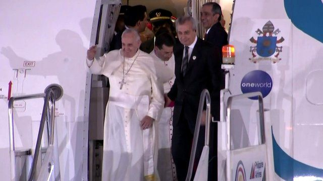 Pope Francis arrives at Manila airport