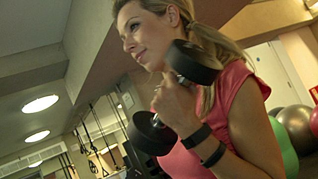 Laura Lewington tests out fitness trackers