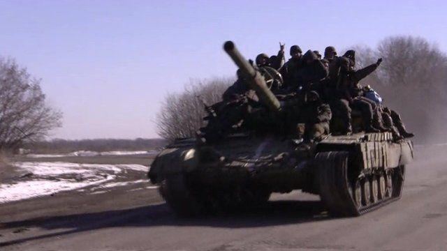Ukrainian troops leaving Debaltseve