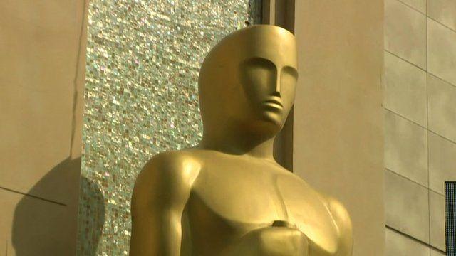 A giant Oscar statue
