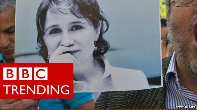 Protest against sacking of journalist Carmen Aristegui