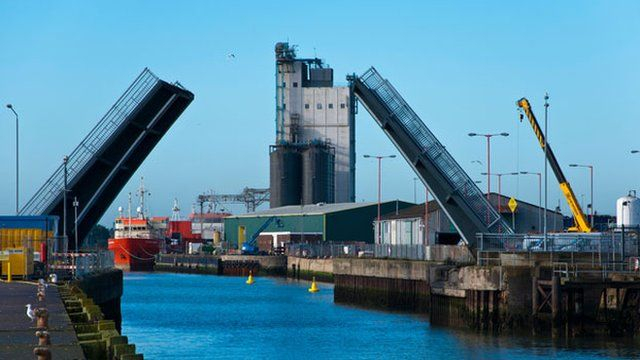 Bascule Bridge closing into the port of Lowestoft