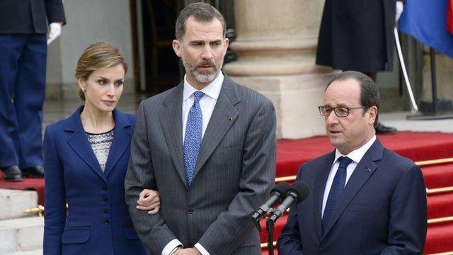 Francois Hollande (r) with King Felipe VI and Queen Letizia