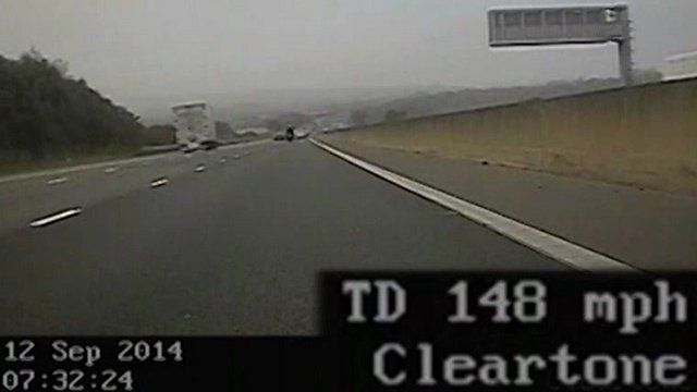 Motorcyclist filmed on M11