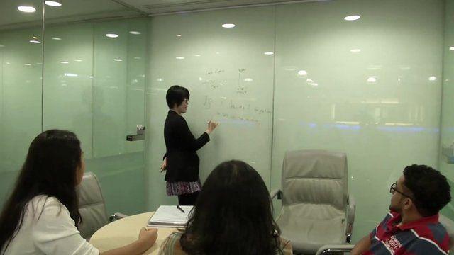Language classes in Jakarta