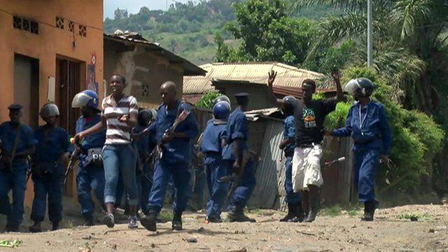 Police arrest demonstrators