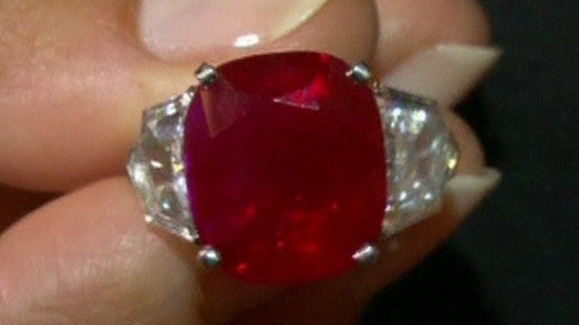 World S Most Expensive Coloured Gem Sells For 30m Bbc News