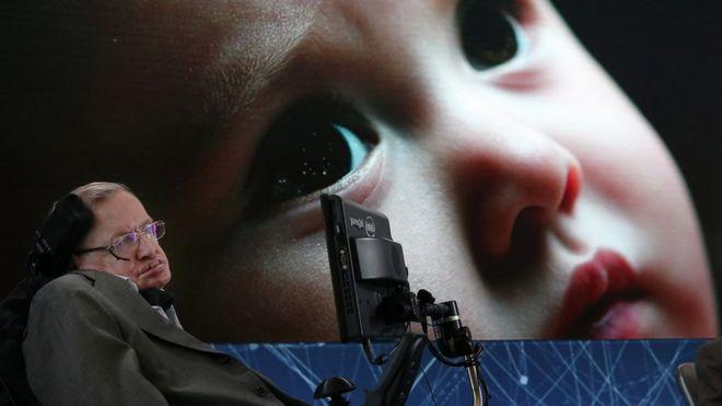 Stephen Hawking em Nova York em 2016