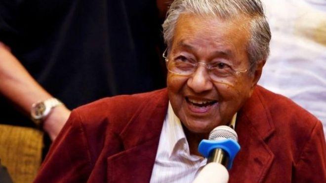 Dr.Mahathir Mohamad aibuka mshindi akiwa na miaka 92