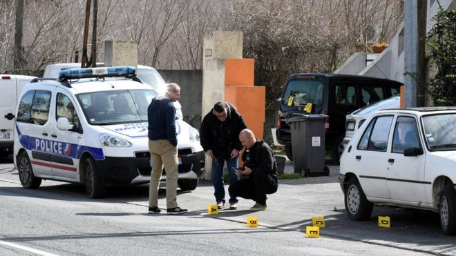 France Hostage Crisis: Police Shoot Supermarket Gunman