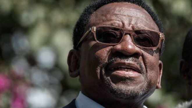 Kenya's coalition National Super Alliance (NASA) Chief Election Agent James Orengo (C) speaks to media after meeting with Kenya's Independent Electoral and Boundaries Commission (IEBC) chairman at the Bomas of Kenya cultural center in Nairobi, on October 3, 2017