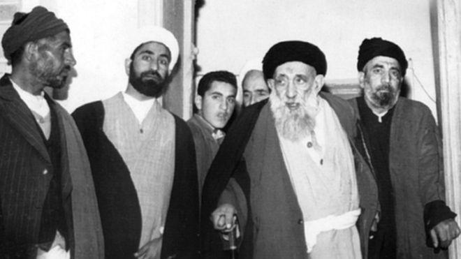 محمد بهبهانی (نفر دوم از سمت راست)