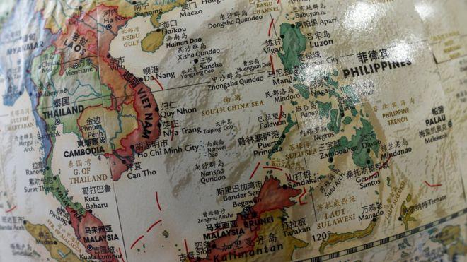 Bản đồ Biển Đông với hình Đường Chín Đoạn do Trung Quốc nêu ra để đòi chủ quyền toàn bộ vùng này