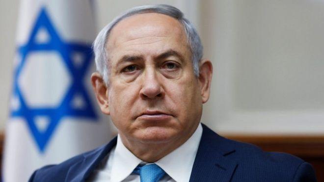 Mr Netanyahu ayaa lagu soo warramay inuu dhowr jeer la kulmay dadka baaritaannada sameynaya