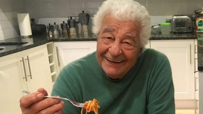 ITALIA: 5 recetas que marcaron la exitosa carrera del chef Antonio Carluccio